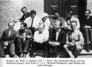 Los compositores Paul Hindemith y Arthur Honegger, entre otros, en el primer Festival de la AIMM en Salzburgo, en 1922.
