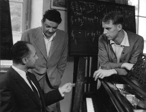 Pierre Boulez, Bruno Maderna y Karlheinz Stockhausen en Darmstadt, 1955.