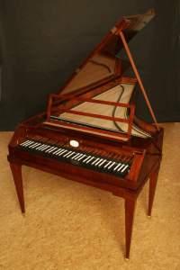 Fortepiano, réplica de un modelo fabricado por Walter & Sohn hacia 1805.