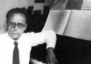 Anton Webern al piano.