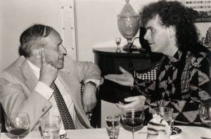 Pierre Boulez con el director de orquesta Simon Rattle, protagonistas de sendas series televisivas de divulgación de la música clásica del siglo XX.