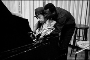 New York, 1958. Miles Davis con el pianista Red Garland.